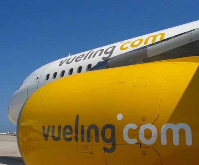 Vueling Busca Personal
